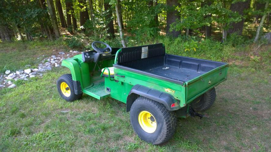 2007 John Deere TE Gator Electric-NEW Batteries, NEW motor, NEW charger. Manual dump bed. $5200