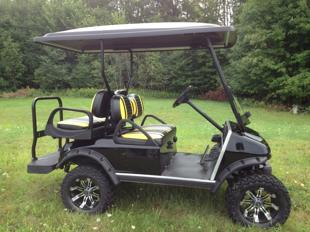 Club Car DS in Black and Yellow-6